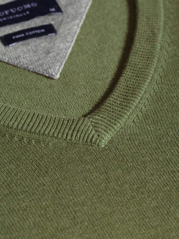 V-Hals trui katoen leger groen detail